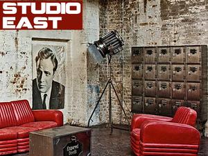 Izmos ipari bukéval átitatott intellektuális lázadás - Studio East, London