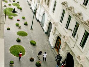 Kollektív zöld dombok Lima belvárosában