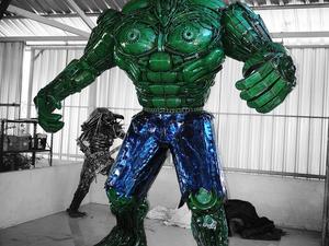 Hulk szobor a valódi hősöknek