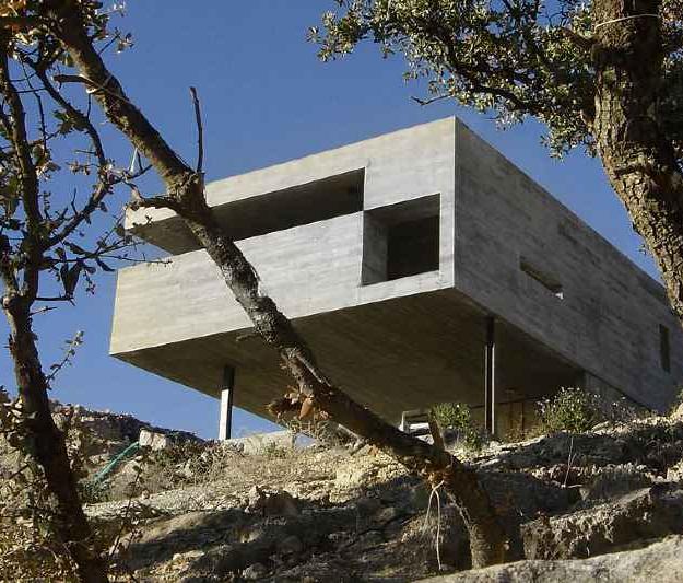 Cementszínű álomkéró - Pitch's House, Madrid