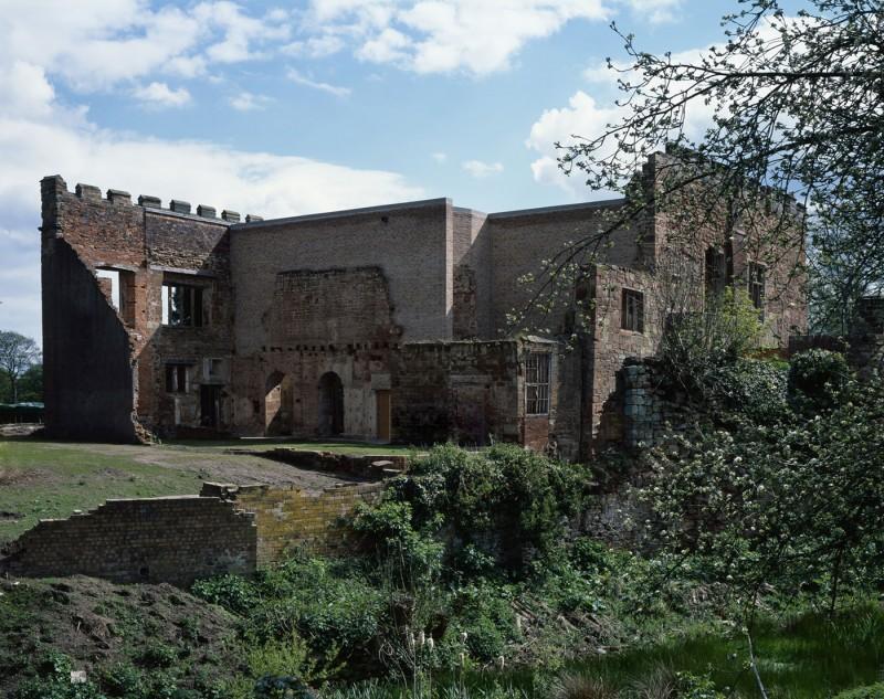 Astley-Castle-02-800x633.jpg