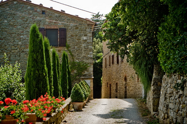 monteverdi_road.jpg