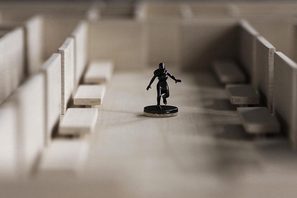 labyrinth_table03.jpg