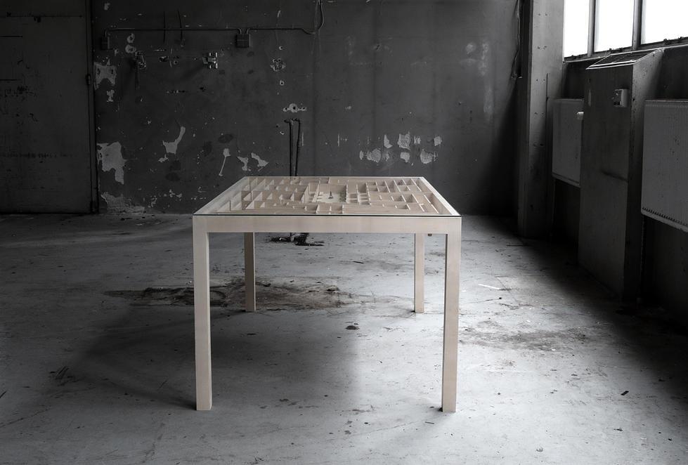 labyrinth_table08.jpg
