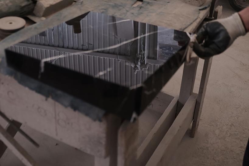 snarkitecture-slip-chair06.jpg