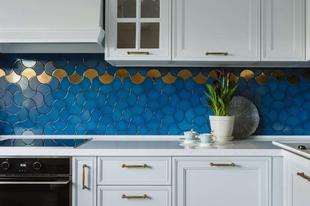 12 lenyűgöző konyhai ötlet – színek, csempék, minták