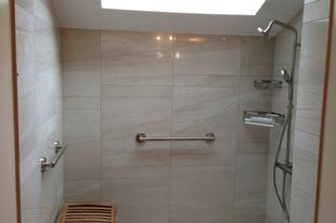 6 ötletes praktika, hogy még több helye legyen a fürdőszobában