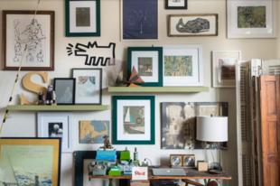 4 rendhagyó ötlet, hogyan akassza ki a képeit a falra