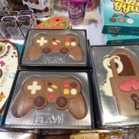 Gyerekek a Paradicsomban: csokiforgács, bonbonok, kétéltű jármű, játszóház