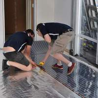 Tényleg hatékonyabb az intelligens fűtőfólia a hagyományos padlófűtésnél?