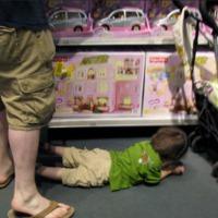 5 tipp, hogy vásárláskor megelőzzük a gyerekek hisztijét