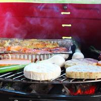 Grillteszt: szaftos grillkolbászokat, különleges sajtokat és szószokat kóstoltunk