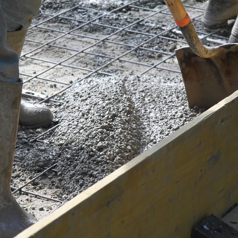Hogyan betonozzunk a nyári forróságban?