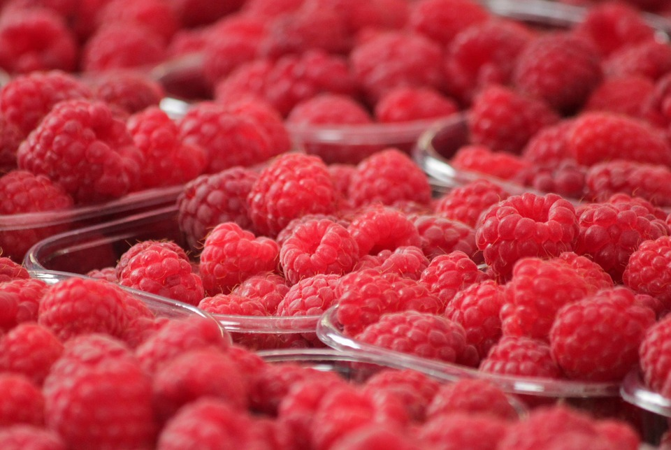 red-fruit-berry-raspberries-berries-fruits-food-378259.jpg