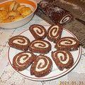 Kókuszos-keksztekercs, pogácsa és vargabéles.