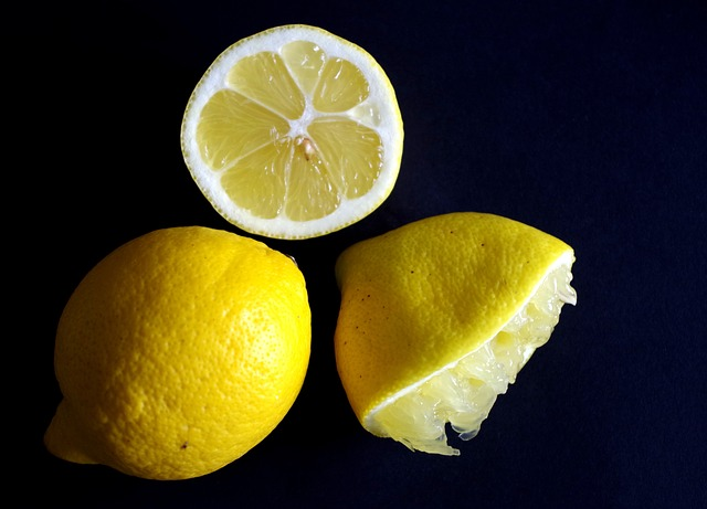lemon-4012432_640.jpg