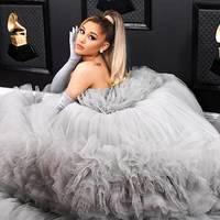 Menő vagy ciki? A Grammy legőrültebb ruhái