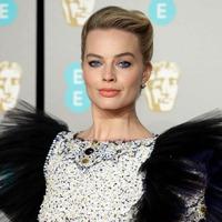 Egy szoknya, egy nadrág - A 2019-es BAFTA legszebb ruhái