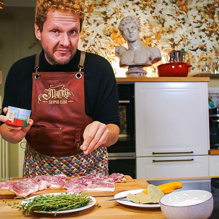 Ez aztán a menőség: Konfitált kacsacomb sütőtök krokettel