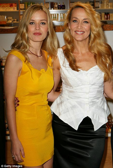Jerry Hall és a lánya, a szintén modell Georgia-May Jagger