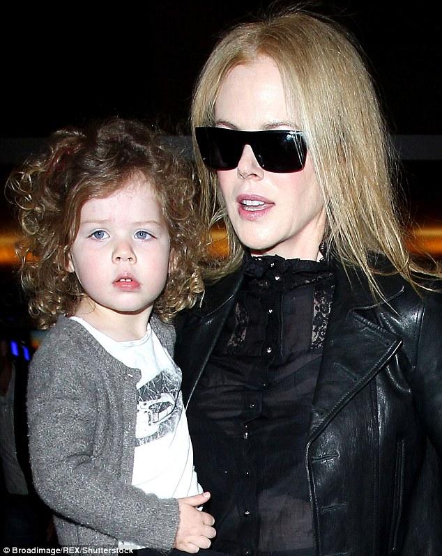 Nicole Kidman és a kislánya, Faith pár éve - Nicole-nak pont ilyen fürtjei voltak fiatalkorában