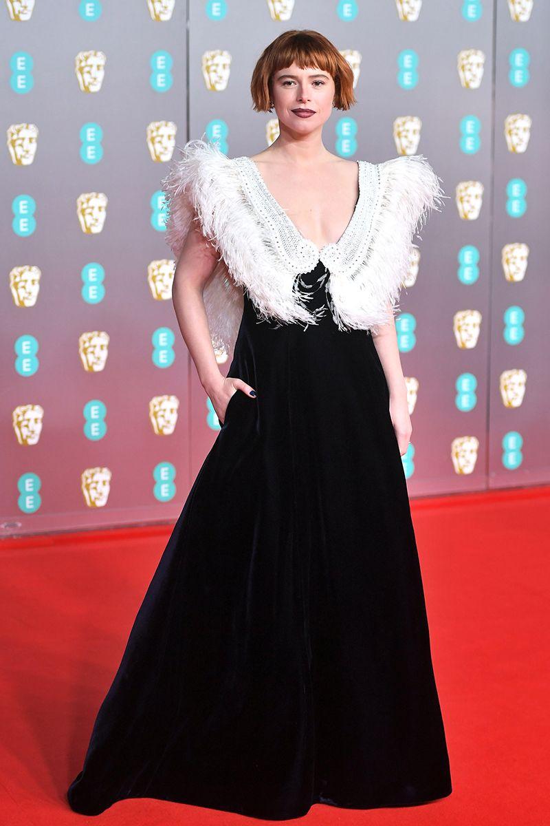 Jessie Buckley királynői lookja