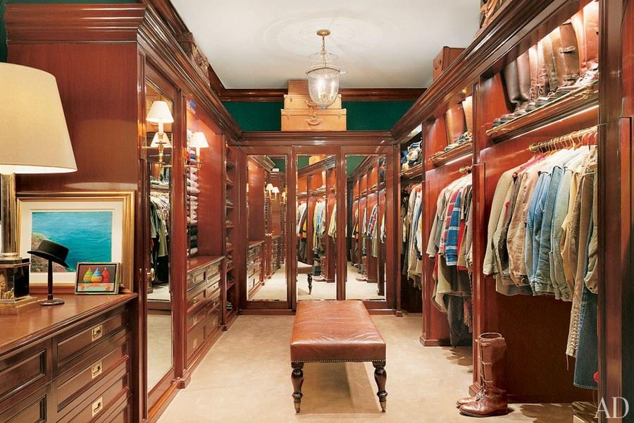 Ralph Lauren irtó elegáns mahagóni gardróbja - Fotó: Durston Saylor