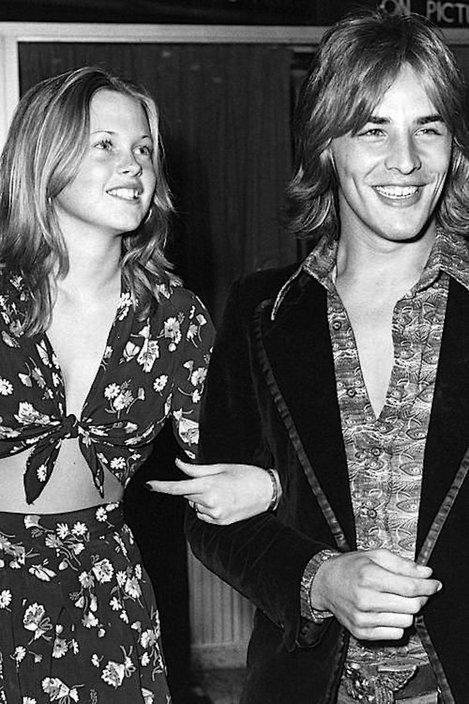 Tippi nagyon tartott a bimbózó kapcsolattól, hiszen Melanie csak 14 éves volt, amikor szerelmes lett a 22 éves Don Johnsonba