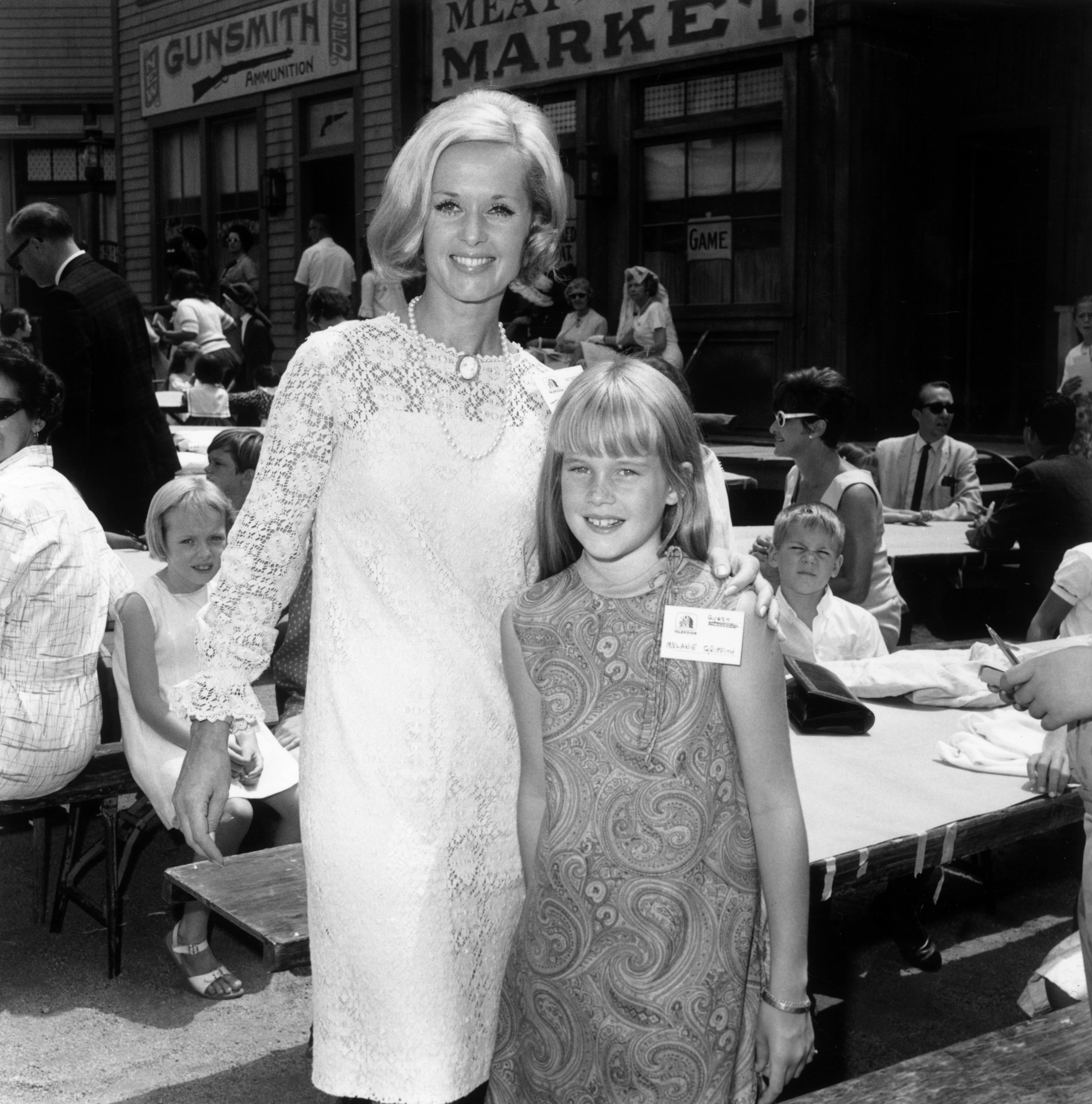 Tippi Hedren és Melanie Griffith a 60-as években