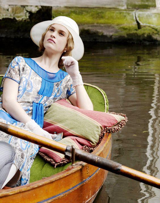Lady Rose csónakázás közben
