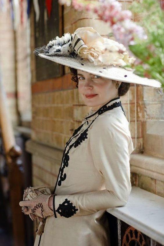 Cora sikkes kalapban
