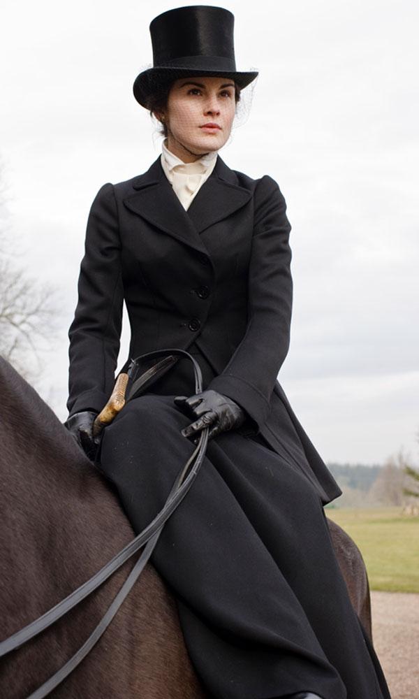 Nincs vagányabb Mary lovaglóruhájánál
