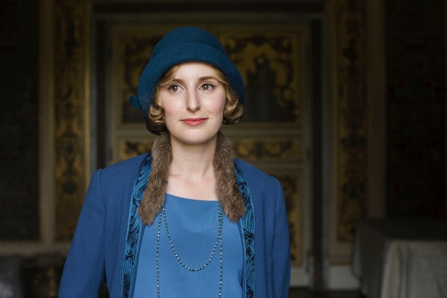 Csodásan állt a kék is Edith-nek, igaz?