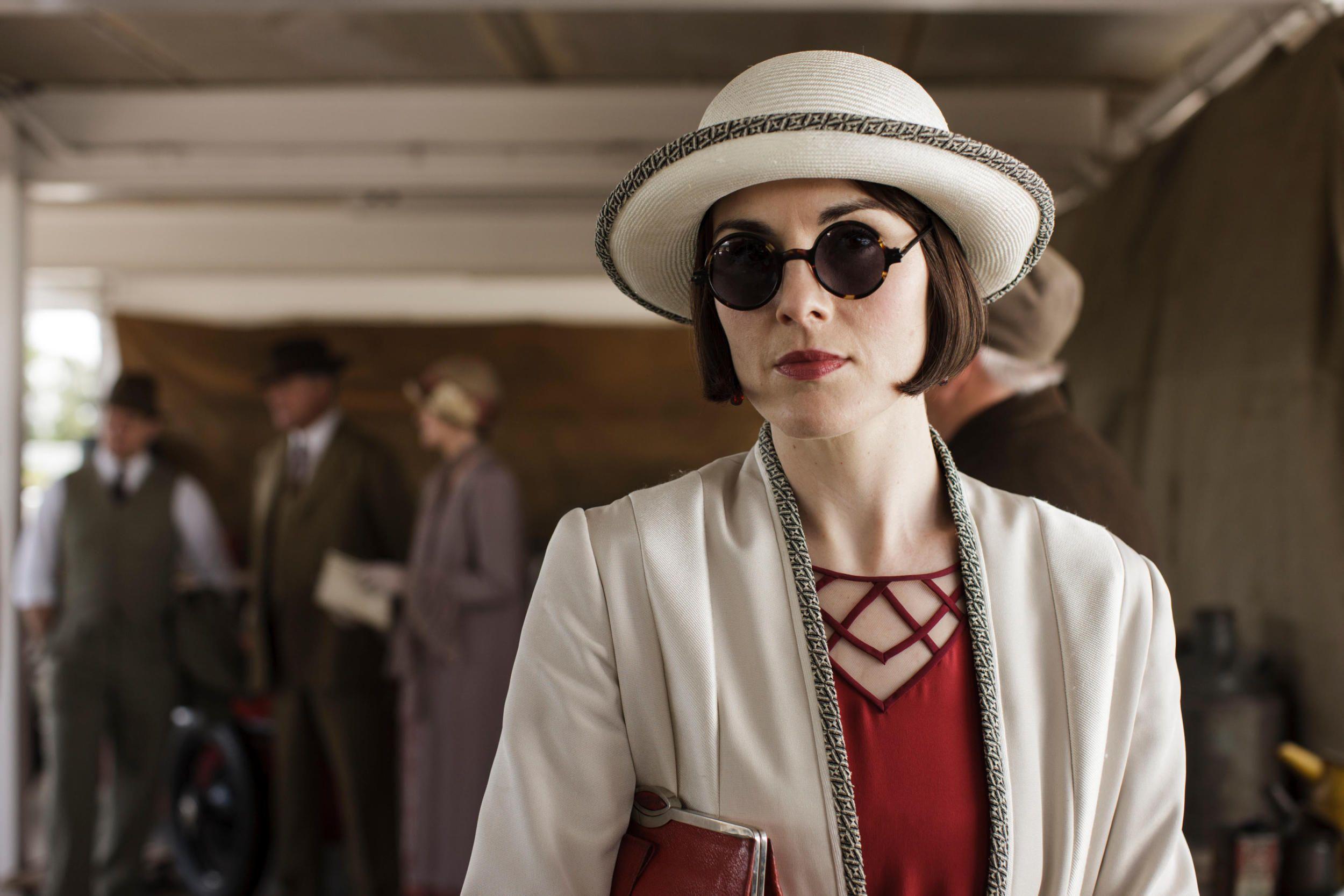 A napszemüveg öltöztet, ezt még Mary is tudta