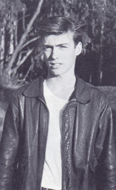 Clint Eastwood jóképű volt már siheder korában is!