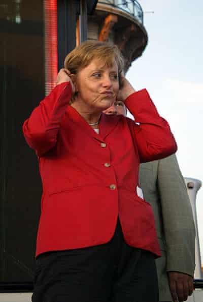 Angela Merkel is zseniális arcokat tud vágni