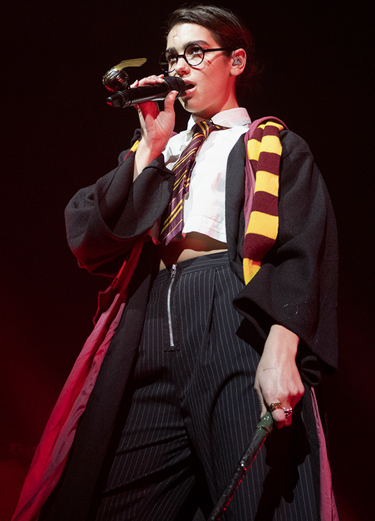 Dua Lipa Harry Potterként lépett fel