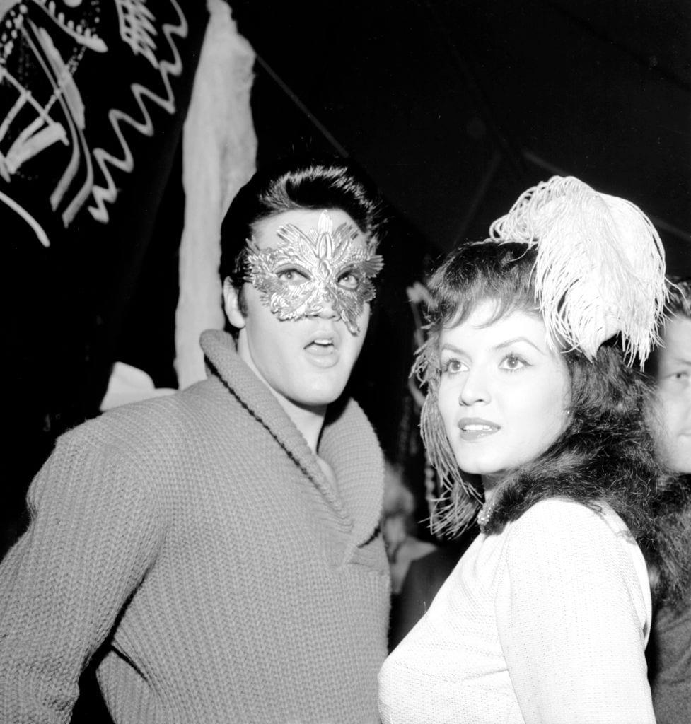 Elvis a kevesebb több elvét követte 1957-ben