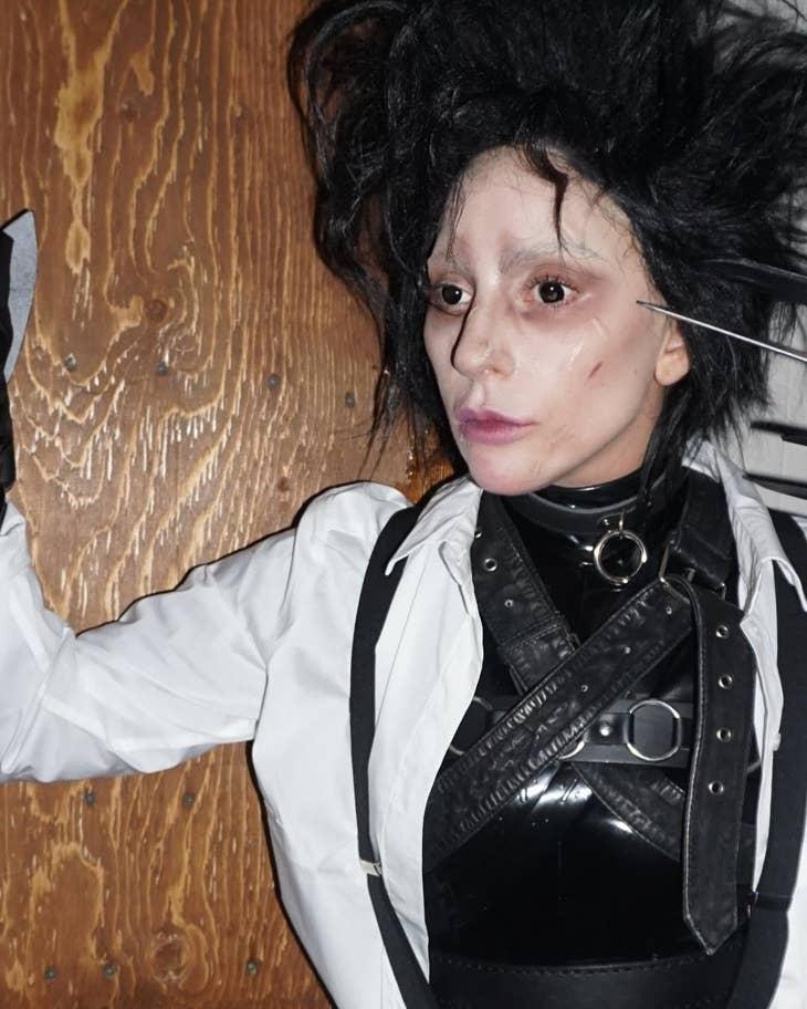 Lady Gaga Ollókezű Edwardként