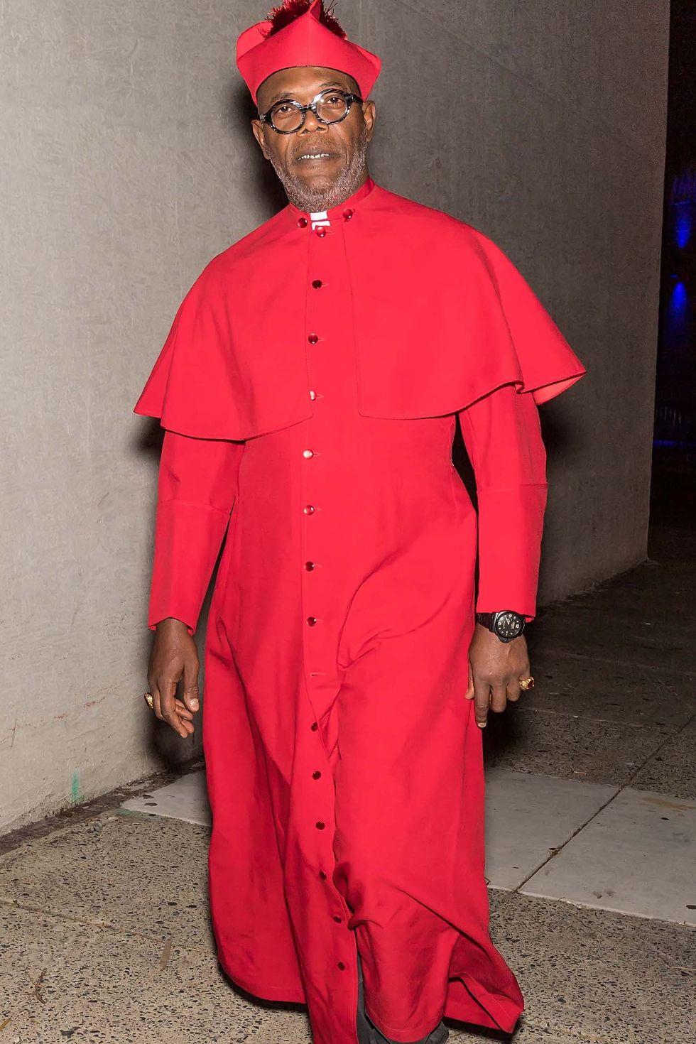 Samuel L. Jackson pedig kardinálisnak 2017-ben