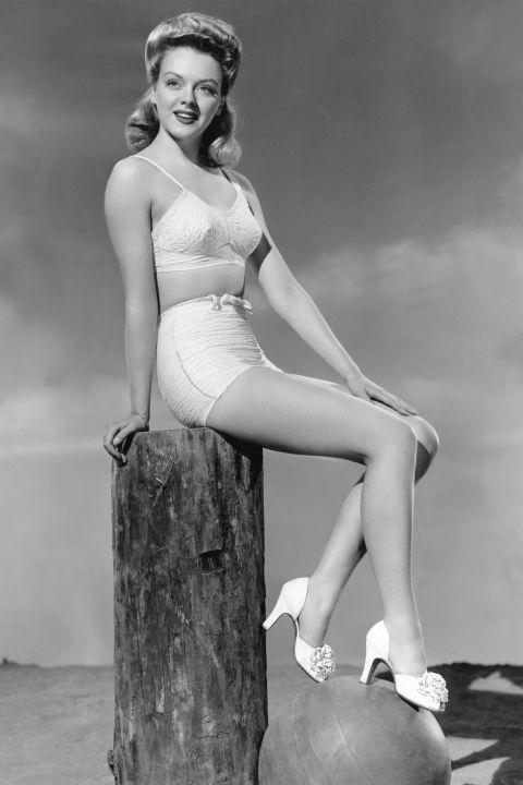 A '40-es években megérkeztek a d'Orsay fazonú cipők!