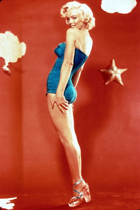 Nézzétek Marilyn Monroe fantasztikus, áttetsző Lucite cipőjét 1952-ből!