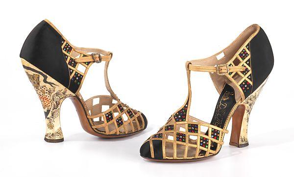 Herman Delman a New York-i tervezők showmanje volt, aki már a XX. század első felében hírességekkel akarta eladni cipőit. Csodás ez az 1935-ös cipellője!