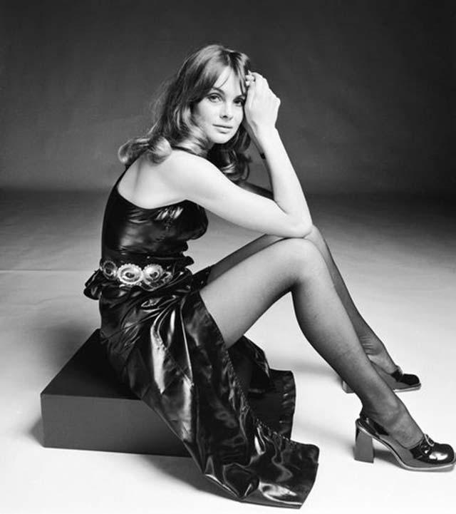 Jean Shrimpton modell 1974-ben viselte ezt a hasábsarkú csodát