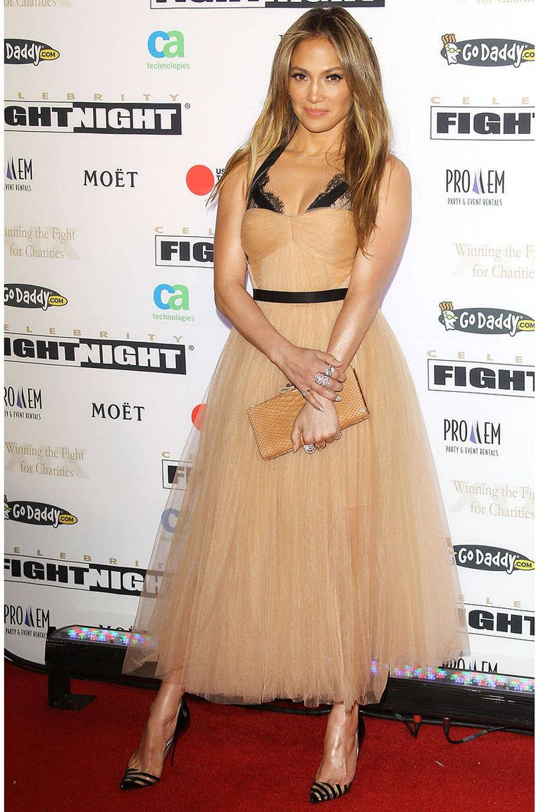 Celebrity Fight Night egy Maria Lucia Hohan ruhában