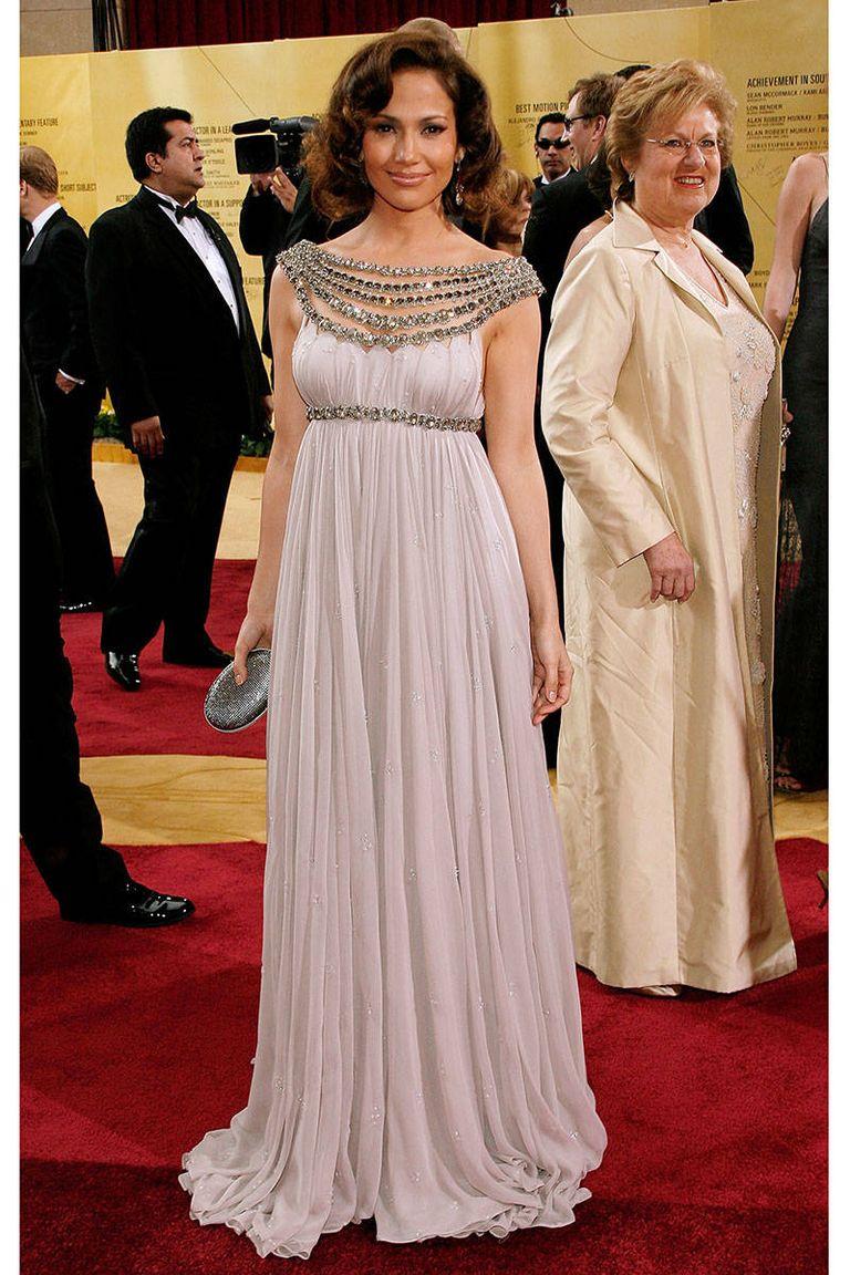 Cuki görög istennő volt 2007-ben, Marchesa ruhában