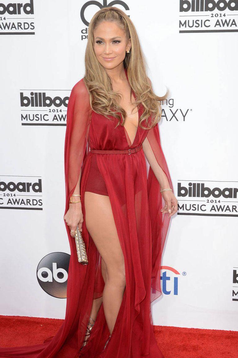 Donna Karan ruhában a 2014-es Billboard Music Awards vörös szőnyegén