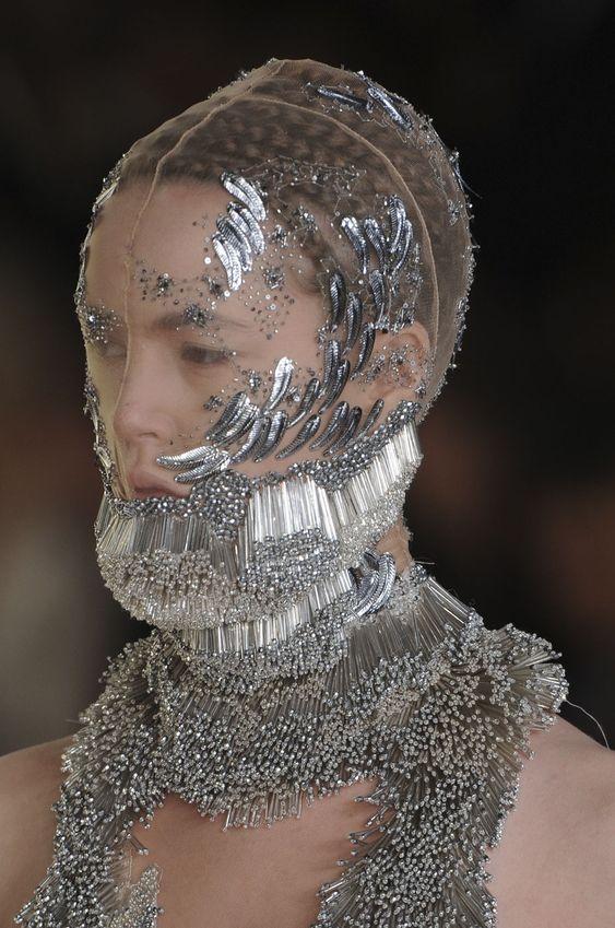 Alexander McQueen - Paris Fashion Week Spring 2012