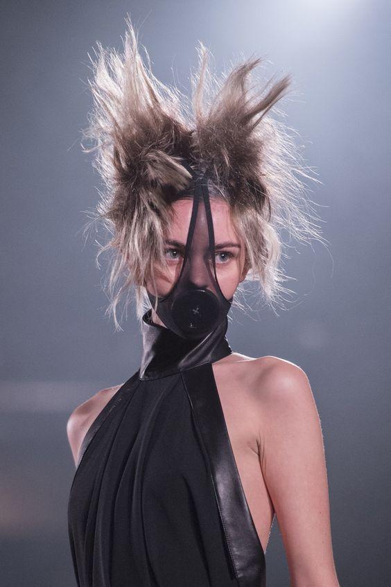 Gareth Pugh - London Fashion Week SS 2019