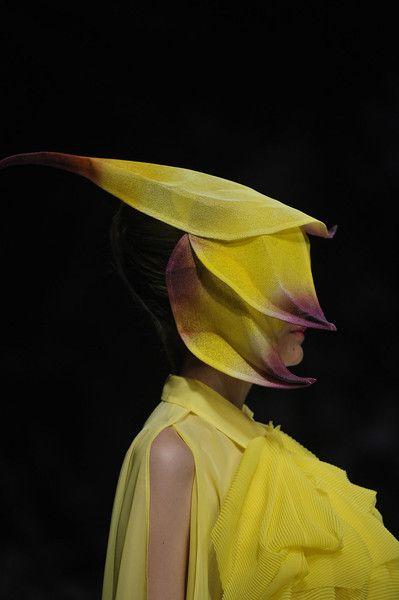 Issey Miyake SS 2012 - Paris Fashion Week